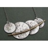 Textured pendant necklace